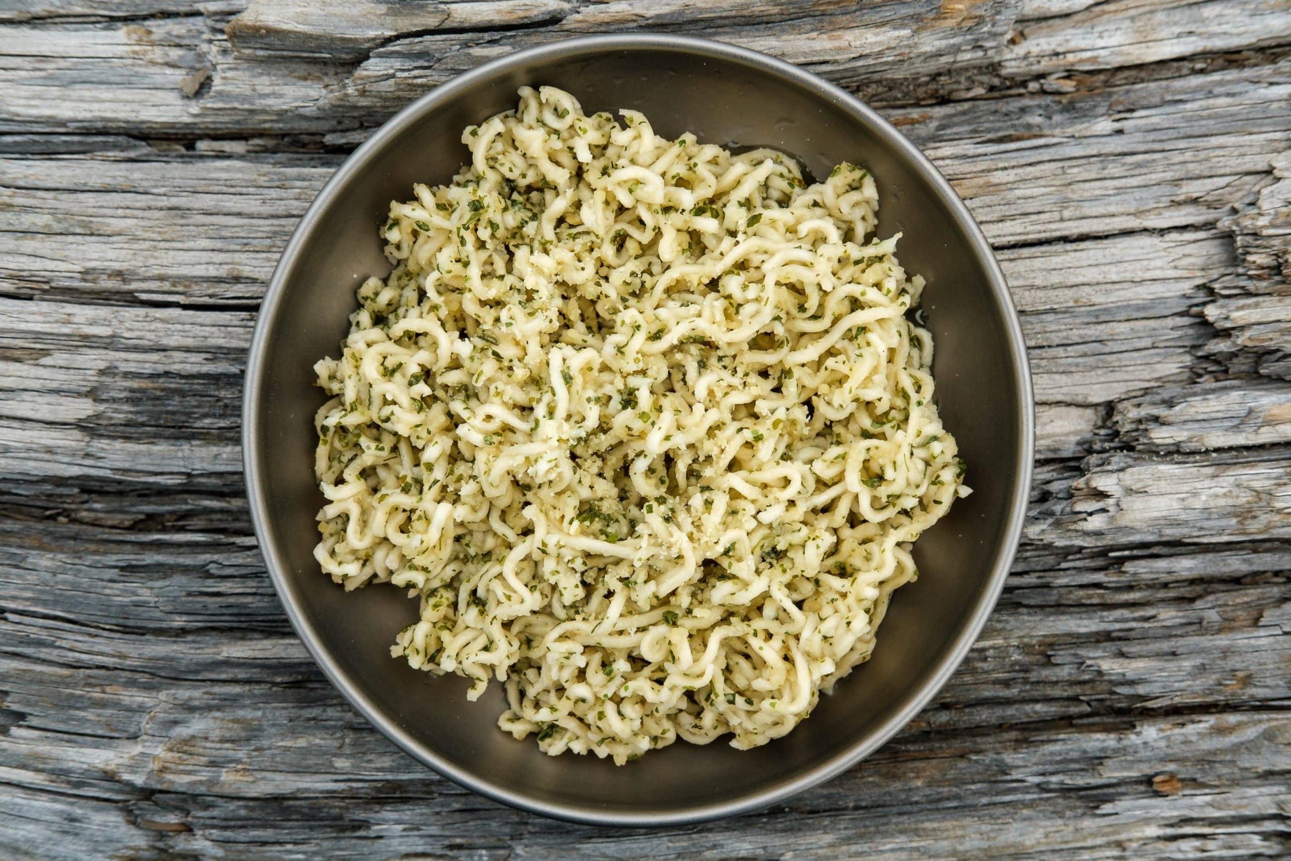 Ultralight Garlic Parmesan Ramen | Backcountry Foodie #ultralightbackpacking #backpackingmeals #backcountryfoodie